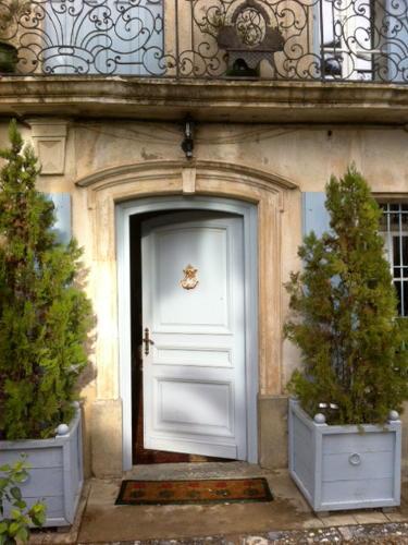 niche au centre du joli village de corneilla del vercol dans les pyrnes orientales la maison de maitre du 18me sicle vous ouvre ses portes sur un